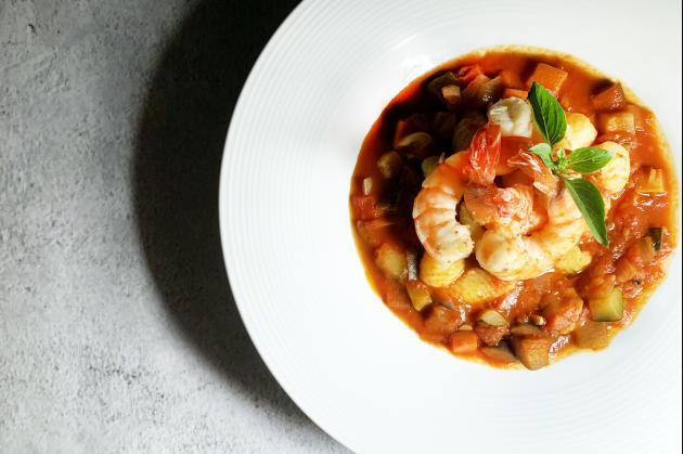 料理鼠王(尼斯蕃茄燉蔬菜佐法式麵疙瘩) 1